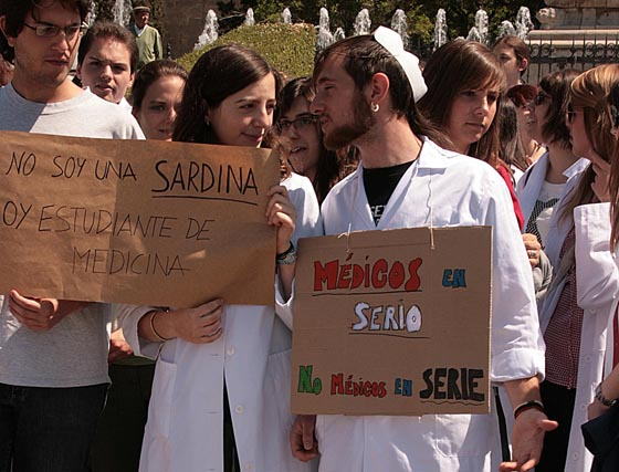 Galería de fotos: Manifestación de estudiantes de medicina