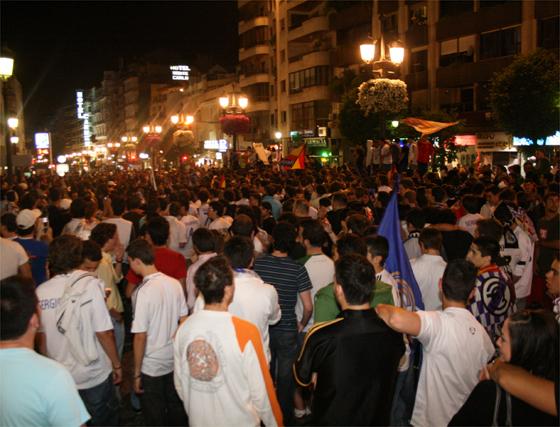 Galería gráfica: Disturbios en la celebración del título de Liga en Granada