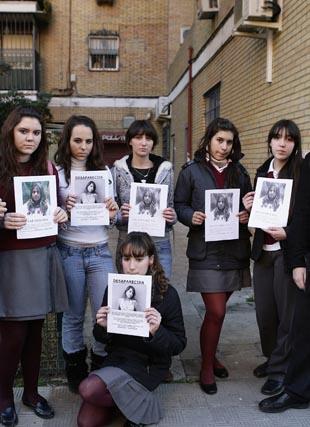 Las amigas y compañeras de colegio no paran de buscarla desde su desaparición.  Foto: Antonio Pizarro