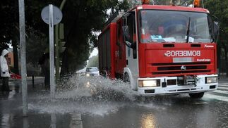 Los bomberos realizaron más de 550 salidas por el temporal.  Foto: Juan Carlos Vázquez