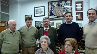 Los miembros de la junta de gobierno.  Foto: J.P.