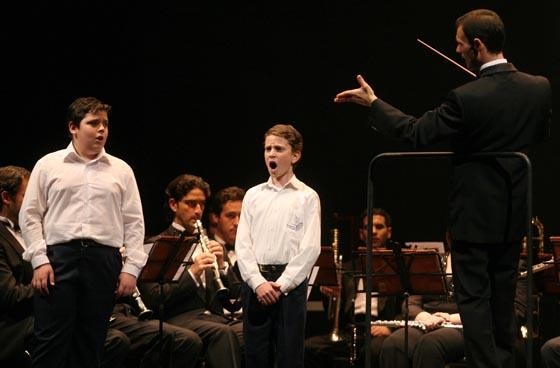 Unos niños interpretaron el Rede del Miserere de Eslava.  Foto: Belen Vargas