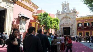 Colas ante la Basílica del Gran Poder.  Foto: Juan Carlos Vázquez