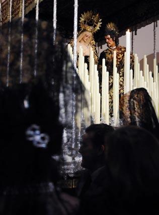 Mantillas ante el Mayor Dolor y Traspaso.  Foto: Juan Carlos Vázquez