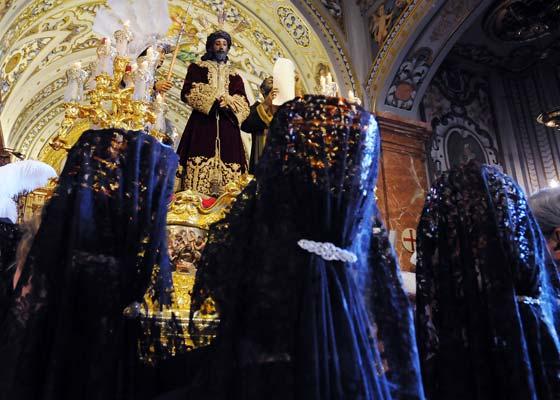 Mantillas ante el Sentencia.  Foto: Juan Carlos Vázquez