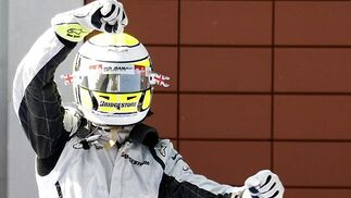 Button celebra su victoria en Turquía.  Foto: AFP Photo / Reuters / EFE