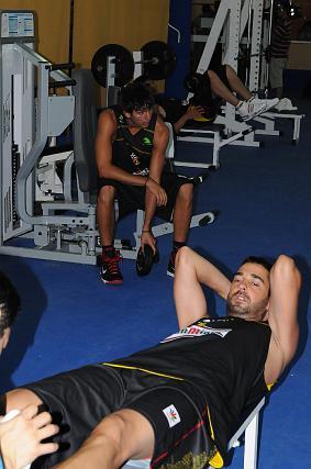 Los jugadores españoles se emplearon a fondo en el gimnasio.   Foto: Javier Gonzalez
