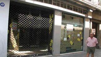 Tienda cerrada en la calle O'Donnell  Foto: Victoria Hidalgo