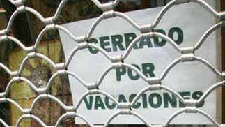 Ante la crisis muchos comerciantes optan por echar el cieere, al menos en vacaciones  Foto: Victoria Hidalgo