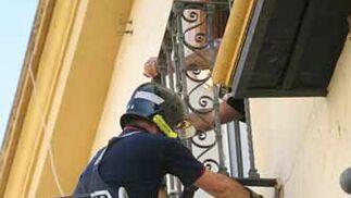 Primer plano del balcón desprendido.  Foto: Belén Vargas