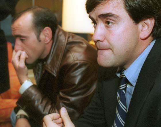 Con Marcos Alonso tras la denuncia por agresión a los uruguayos Zalayeta, Olivera y Otero.