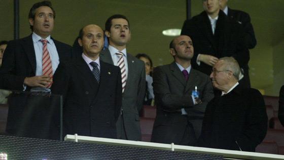 Monchi, en el palco de Highbury en el Arsenal-Sevilla de Liga de Campeones.