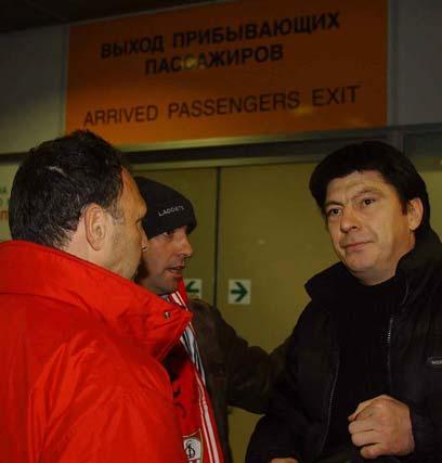 Recibido junto a Del Nido por Dassaev en San Petersburgo antes de un encuentro de COpa de la UEFA ante el Lokomotov en noviembre de 2004.