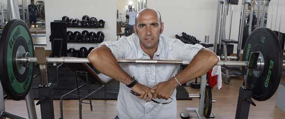El director general deportivo del Sevilla, en el gimnasio del club.  Foto: Antonio Pizarro