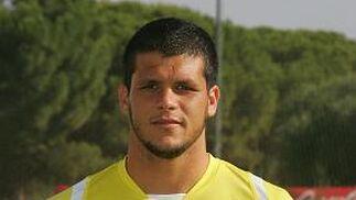 ÁLVARO SILVA Linares Defensa | Nacido en Andújar (Jaén) el 30/03/84 Procede del Málaga (2009)  Foto: Jesus Marin