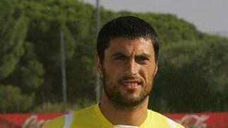 DIEGO TRISTÁN Herrera Delantero | Nacido en La Algaba (Sevilla) el 05/01/76 Procede del West Ham (2009)  Foto: Jesus Marin
