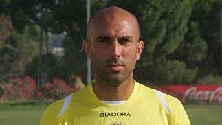 RAÚL LÓPEZ González Defensa | Nacido en Jerez de la Frontera el 17/09/76 Procede del Racing de Ferrol (2003)  Foto: Jesus Marin