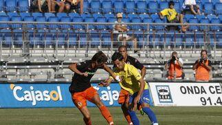 Gracias a un gran gol de López Silva en los últimos minutos, el equipo gaditano se impone en la Final de Consolación y se queda con el tercer puesto del Trofeo   Foto: Joaquin Pino
