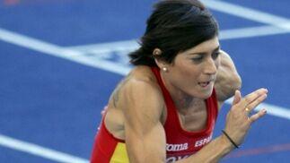 La corredora española Mayte Martínez, durante la primera ronda de los 800 metros del Mundial de atletismo Berlín 2009 que se disputa en el Estadio Olímpico de la capital alemana.  Foto: EFE