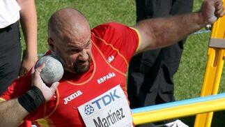 El lanzador de peso Martínez durante una prueba en el Estadio Olímpico berlinés durante el Mundial de Atletismo 2009.  Foto: EFE