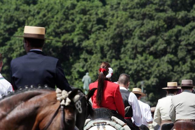 Hileras de caballistas coparon la Alameda Principal. FOTO: Migue Fernández