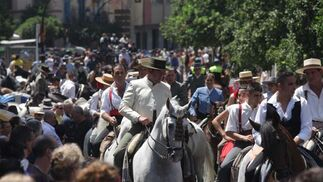 Las calles del centro de Málaga se inundaron de caballos y enganches con motivo de la tradicional romeria.  FOTO: Migue Fernández