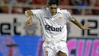 José Carlos durante una jugada del partido.  Foto: Manuel Gómez
