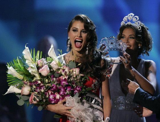La alegría de la Miss Venezuela, Stefanía Fernández, al saberse ganadora del Miss Universo 2009.  Foto: Efe