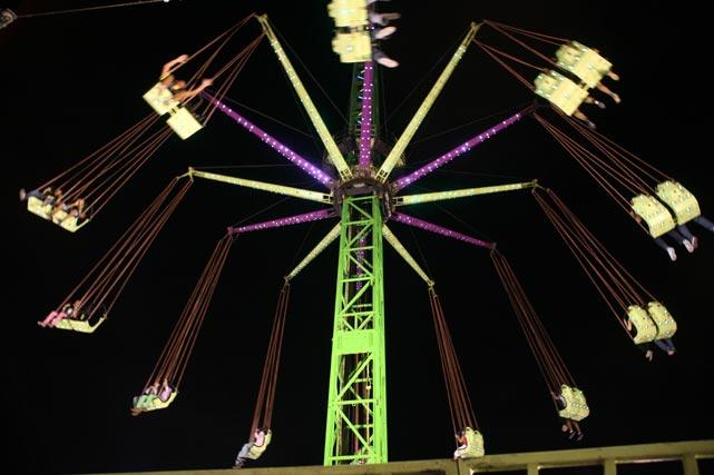 Sillas voladoras a lo grande en el Real. FOTO: PUNTO PRESS