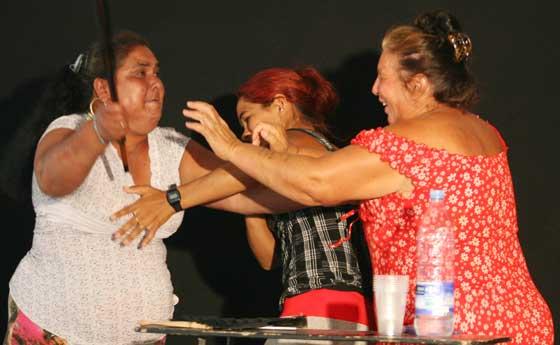 Las protagonistas ensayan en el escenario grande de TNT, con capacidad para 300 personas.  Foto: Victoria Hidalgo