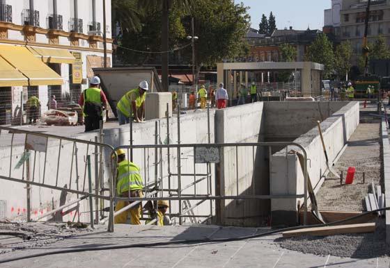 Estado actual en el que se encuentra las obras exteriores de la estación de la Puerta Jerez./ Jose Ángel García