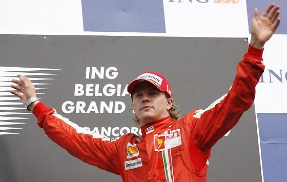 Raikkonen, en el podio.  Foto: Afp Photo / Reuters / Efe
