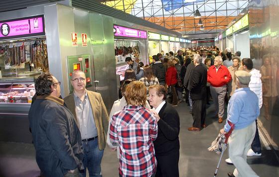Huelva estrena las renovadas instalaciones del mercado de abastos.  Foto: Espínola