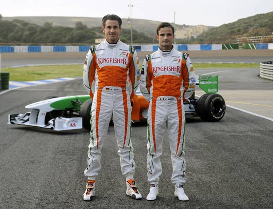 Los pilotos del equipo Force India en el circuito de Jerez.  Foto: Agencia