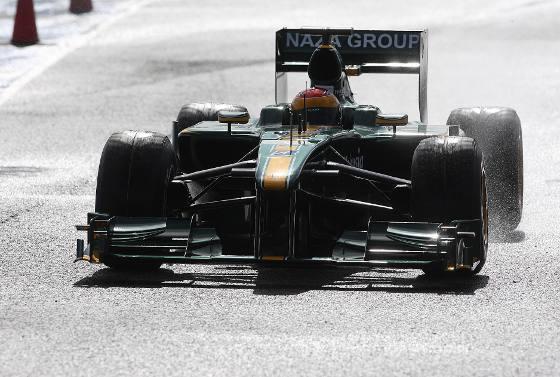 El Lotus cumplió con el programa de trabajo pilotado por el malayo Fairuz Fauzy, sin tener que lamentar demasiados contratiempos en el apartado técnico. Acabó en la penúltima posición.   Foto: Juan Carlos Toro