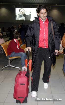 El francés Julien Escudé, a su llegada a San Pablo.   Foto: Antonio Pizarro