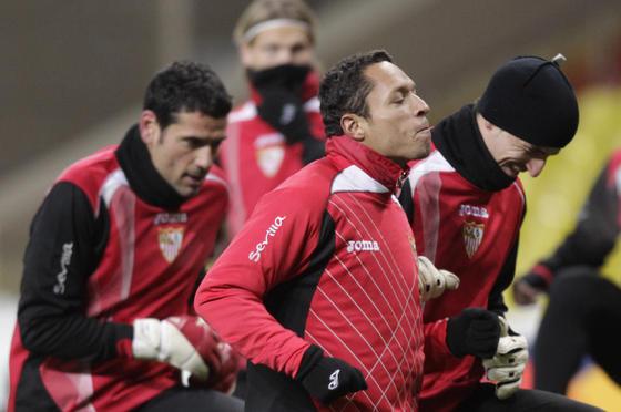 Palop y Adriano realizan carrera continua junto a varios compañeros.   Foto: Antonio Pizarro