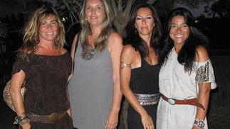 Mercedes Lora, Mara Ramírez, Silvia Ridruejo y Mariló Lora.   Foto: Victoria Ramírez