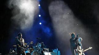 U2, al completo, durante el concierto  Foto: Pizarro