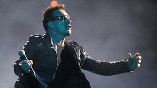 En numerosas ocasiones, el vocalista de U2 ha pedido la participación del público.  Foto: Pizarro