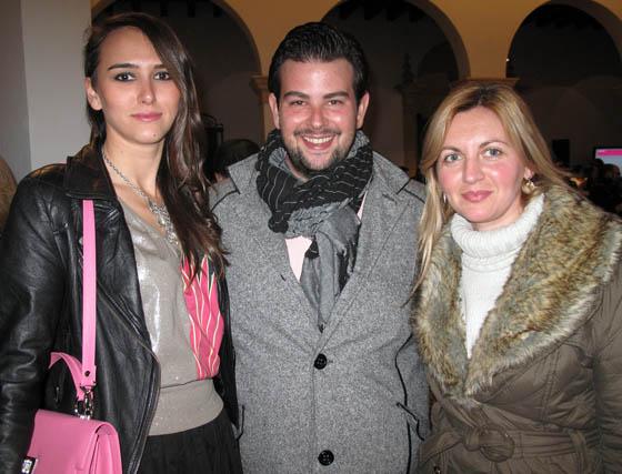 Los diseñadores Carmen Berdonces, Óscar Marín y Caridad Pastor.  Foto: Victoria Ramírez
