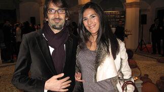 Severo Fernández, director creativo de TFM, y Marta Vera, maquilladora profesional.  Foto: Victoria Ramírez