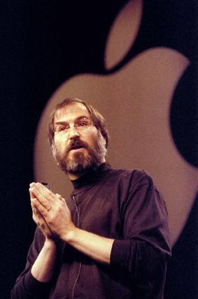 Steve Jobs ofrece una conferencia en los años 80.  Foto: EFE/ Reuters/ Afp