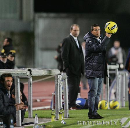 Merino devuelve un balón.   Foto: Pascual