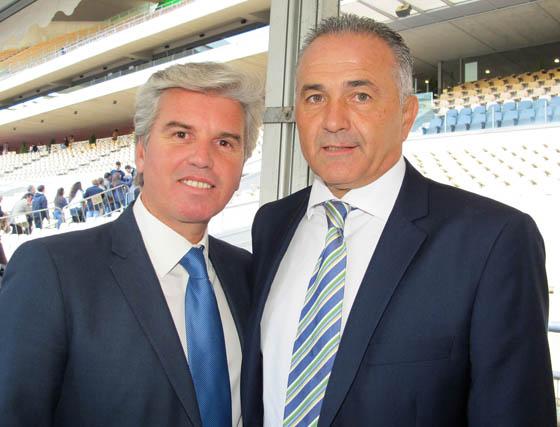 Miguel Guillén, presidente del Real Betis Balompié y Rafael Gordillo, presidente de la Fundación Real Betis Balompié.  Foto: Victoria Ramírez