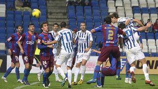 El Recreativo no pasa del empate en casa ante el Huesca. / Espínola