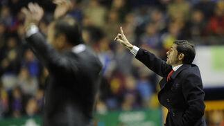 Los entrenadores de ambos conjuntos.  Foto: AFP