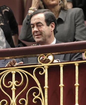 El ex presidente del Congreso José Bono, sentado en la tribuna de invitados.  Foto: EFE