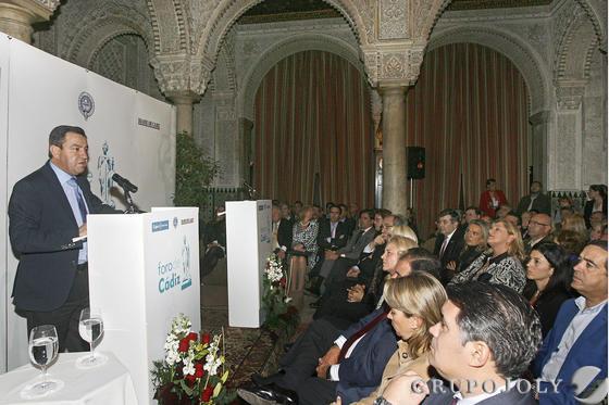 José Loaiza, presidente de la Diputación provincial de Cádiz, durante su intervención en el Foro de Cádiz celebrado en el Casino Gaditano  Foto: Joaquin Pino