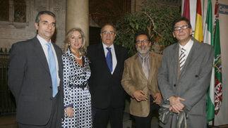 Francisco Fernández, María Gómez, Guillermo Sierra, César Custodio y José Manuel Jiménez, todos ellos de Cajasol  Foto: Joaquin Pino